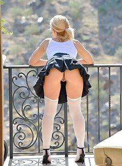 Short Skirt Upskirt Pics