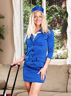 Flight Attendant Upskirt Pics